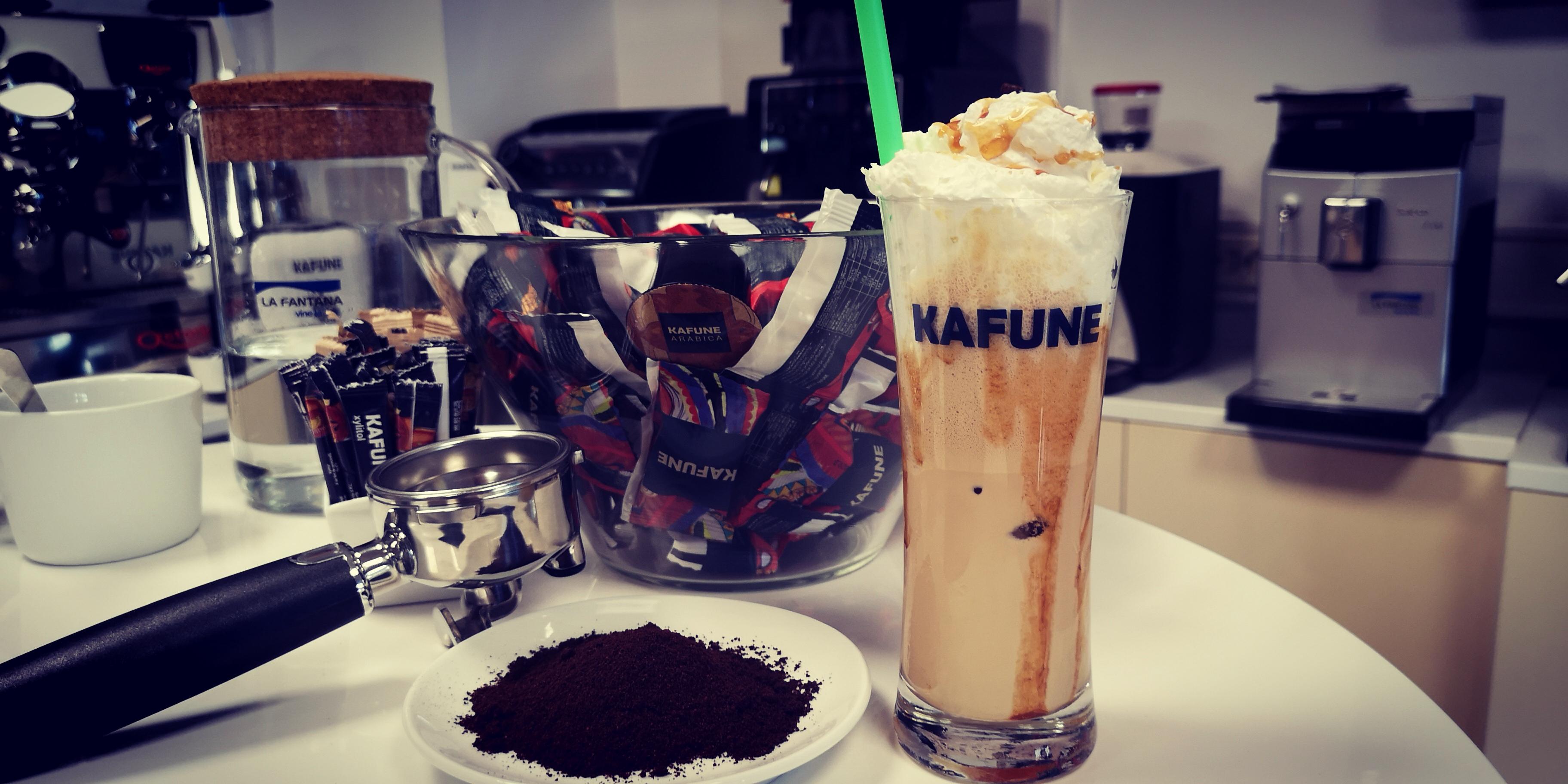 3 rețete de cafea rece potrivite pentru vară