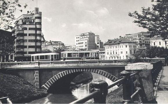 Vechi poduri de peste Dâmbovița